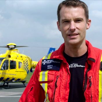 How to become an air ambulance doctor